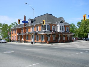 Waterdown's_Pub_The_Royal_Coachman[1]